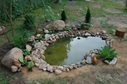 Готовый декоративный водоем на участке своими руками