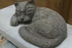 Фигурка кота из цемента