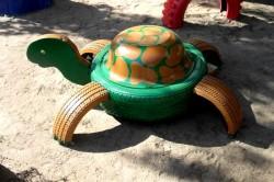 eski-araba-lastiginden-bahceye-yapilan-dekoratif-calismalar81-250x166 Как сделать черепаху из бумаги? В помощь шаблон и фото-инструктаж