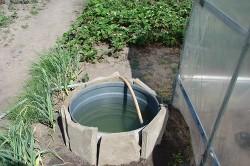 Отстоянная вода в бочке